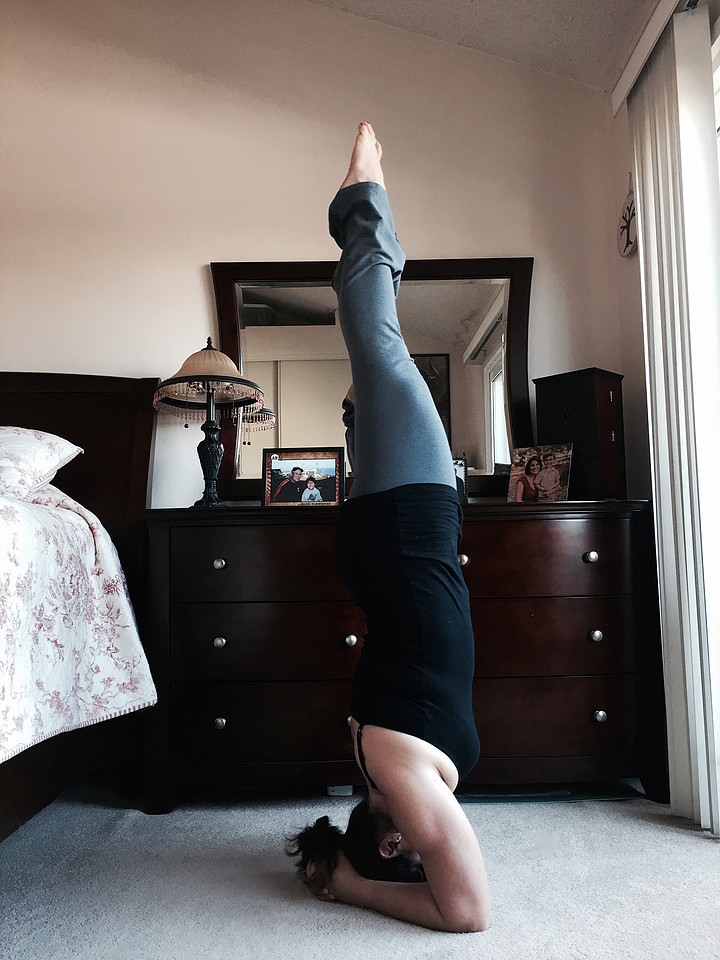 yoga sirsasana headstand